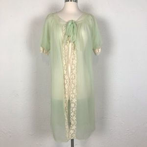 Vintage Lace Trim Green Robe